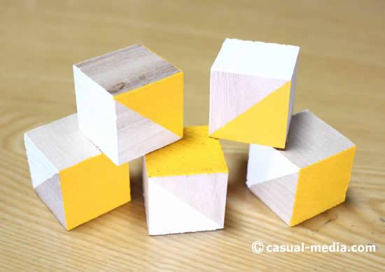 ニキーチンの積み木 模様づくり 絵の具の黄色を塗る