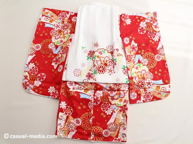 七五三3歳女の子 正絹 着物と被布コート 後ろ姿