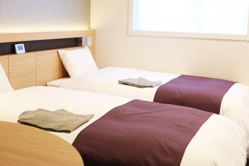 ホテルのツインルームのイメージ画像